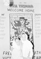 Welcoming released detainees, Cape Town